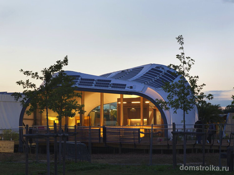 sde2014-techstyle-haus-exterior1-via-smallhousebliss