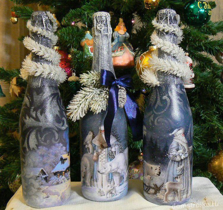 Декупаж новогоднего шампанского, приукрашенный мишурой